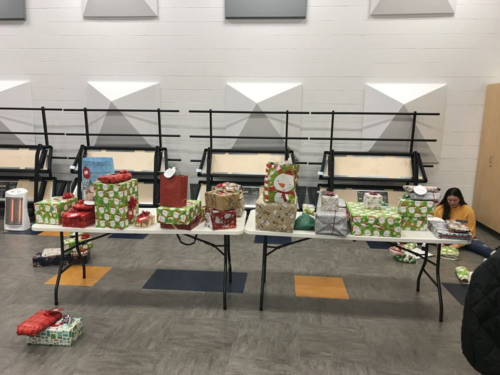 Key Club Giving Tree Fulfills Holiday Wishes