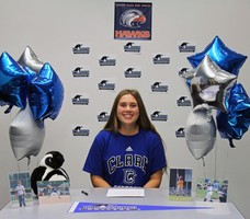 Jenna Mendoza signs with Clark College!
