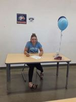 Lexi Shumate Signs with Cerro Coso!
