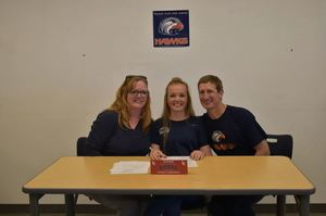 Madeline Weaver Signs with Lewis & Clark State College