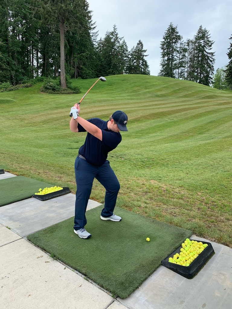 Calin tees off at Olympia Country & Golf Club!